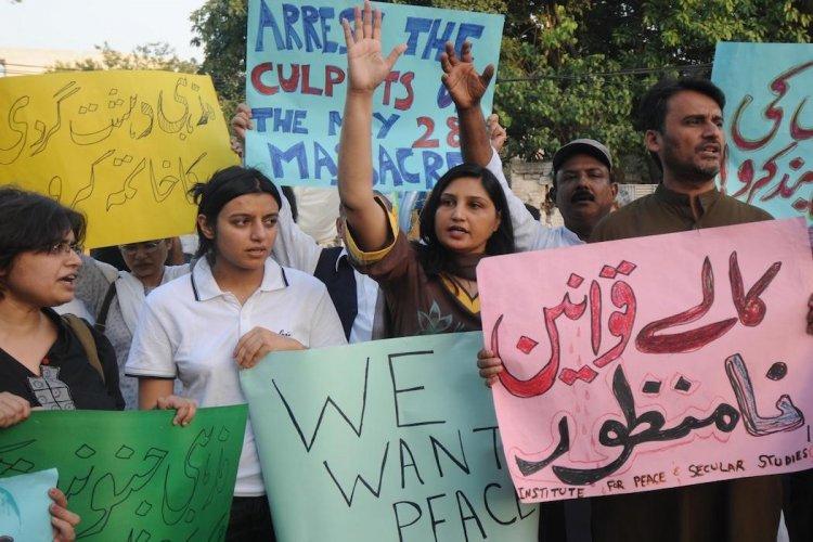 Pakistan: the Ahmadiyya community now faces worldwide online censorship.