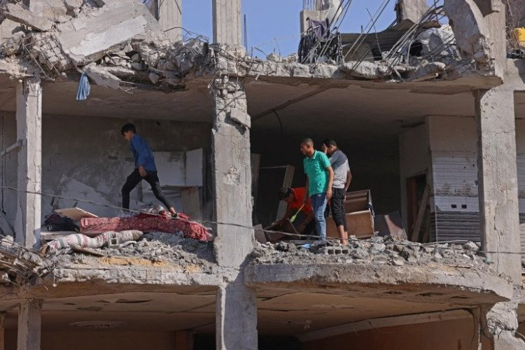 Israel-Hamas ceasefire holds as UN launches Gaza aid
