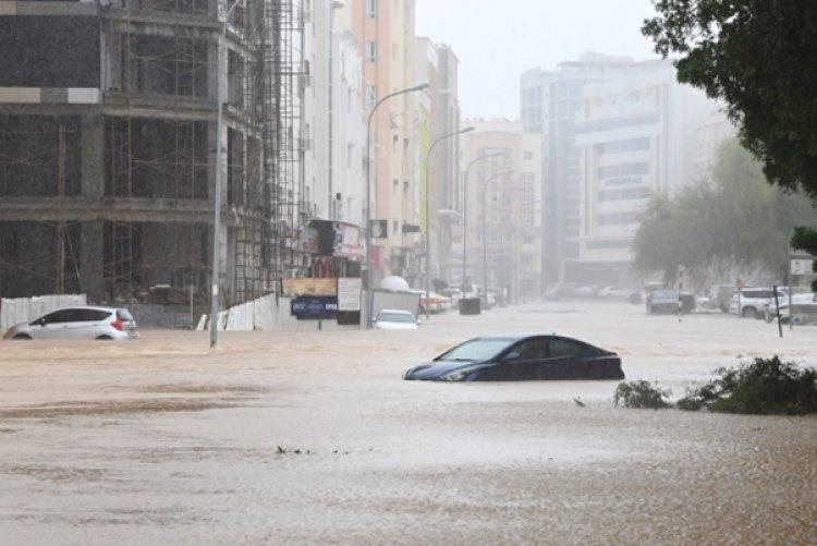 Cyclone Shaheen strikes parts of Oman and Iran
